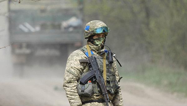 Украинских офицеров запаса забирают вармию