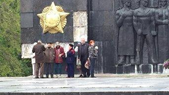 1 мая во Львове. Ситуация возле Монумента боевой славы Советских Вооруженных сил
