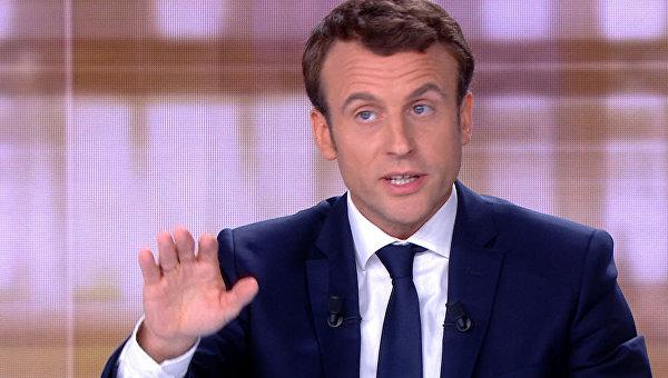 """Францын Ерөнхийлөгч Э.Макрон """"Петя чоно хоёр"""" жүжигт тоглоно"""