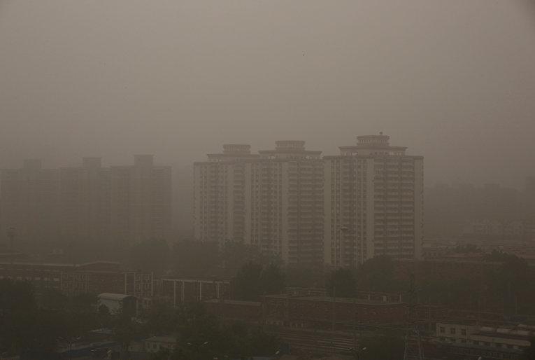 Пекин накрыла песчаная буря