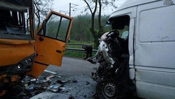Гройсман поведал сколько украинцев погибло вДТП затри года