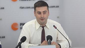 политолог Кирилл Молчанов