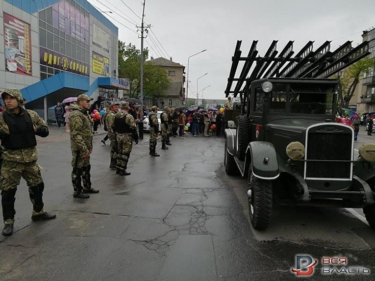 "Драка на шествии ""Бессмертного полка"" в Мелитополе"