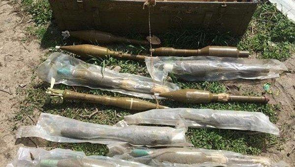СБУ обнаружила два тайника с боеприпасами в зоне АТО.
