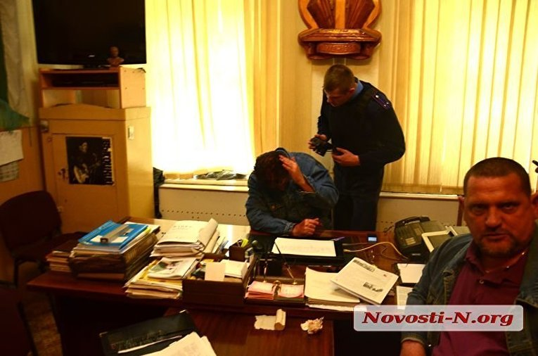Азов ворвался в офис афганцев в Николаеве