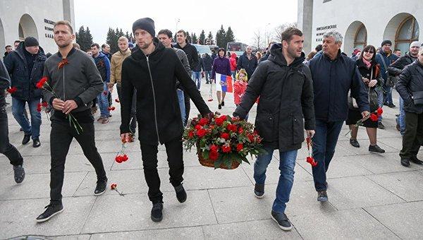 Анатолий Тимощук и Мирча Луческу с георгиевскими ленточками