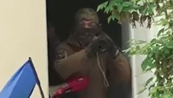 Офис ОУН в Киеве на 9 мая: мужчина с гранатометом