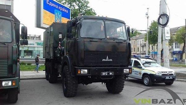 Военная техника в центре Винницы