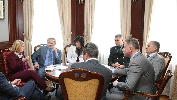 Переговоры по обмену пленными в Донбассе. Архивное фото