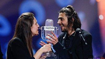 Победитель Евровидения-2017 Сальвадор Собрал и его сестра Луиза Собрал