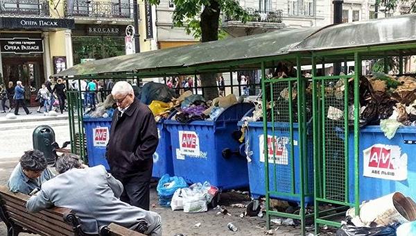 Мусор в центре Львова