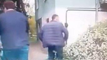 Момент драки и стрельбы в Каменском с участием охранника Яроша. Видео