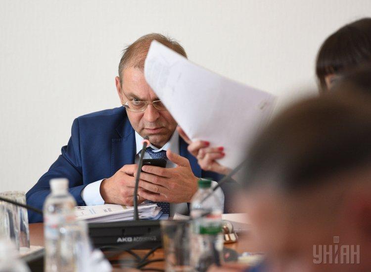 Нардеп Сергей Пашинский во время заседания Комитета Рады по вопросам нацбезопасности и обороны