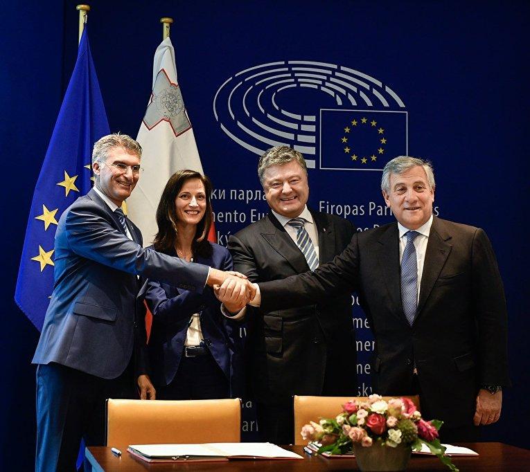 В Страсбурге подписано соглашение о безвизовом режиме между ЕС и Украиной