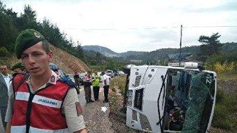 В Турции перевернулся автобус с туристами из Украины