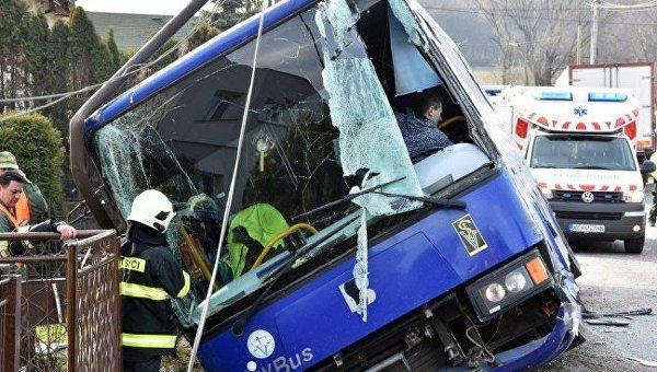 В Словакии водитель переполненного автобуса умер во время рейса