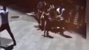 Появились видео с моментом смертельного наезда на толпу в Нью-Йорке.