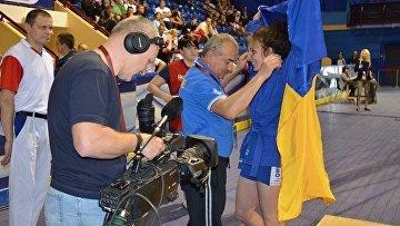 Украинка завоевала золото на ЧЕ по самбо, победив россиянку
