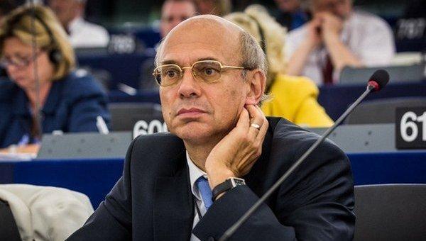 Евродепутат ответил Порошенко: Никто незапретит мне поехать вДонбасс