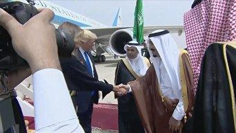 Трамп прибыл в Саудовскую Аравию с первым визитом