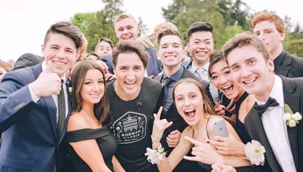 Джастин Трюдо вшортах стал звездой школьного выпускного вКанаде