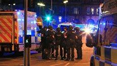 Отряд спецназначения полиции возле стадиона Манчестер Арена. Архивное фото