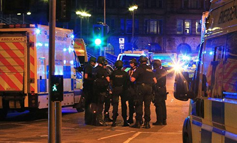 """Отряд спецназначения полиции возле стадиона """"Манчестер Арена"""""""