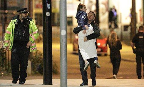 Эвакуация после ЧП на стадионе в Манчестере