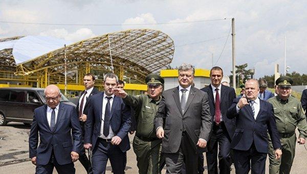 Порошенко проинспектировал пункт пропуска на границе с Польшей. Архивное фото