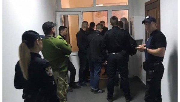 Неизвестные захватили кабинет председателя Государственной службы геологии инедр Украины