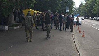 В Киеве группа людей захватила кабинет председателя Госгеологии