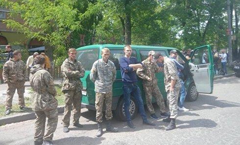 В Киеве группа людей захватила кабинет председателя Государственной службы геологии и недр Украины