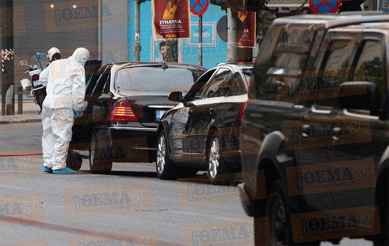 Бывший премьер-министр Греции остается в клинике после покушения