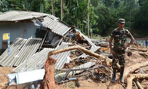 Наводнение и оползни на Шри-Ланке: погибли более 160 человек