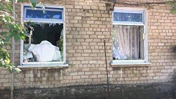 Последствия обстрелов в Донбассе. Архивное фото