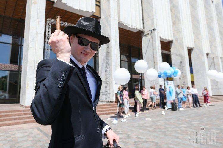 Акция по случаю Всемирного дня без табака возле Украинского дома в Киеве