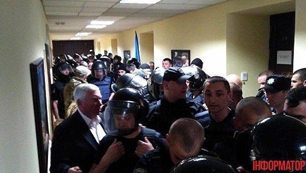ВКиеве полицейские подрались светеранами добровольческих батальонов
