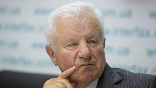 Порошенко призывает Раду рассмотреть законодательный проект омедреформе доконца сессии