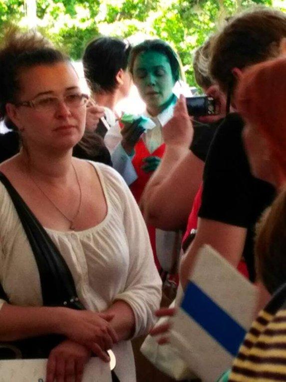 Наталию Королевскую облили зеленкой в Одессе