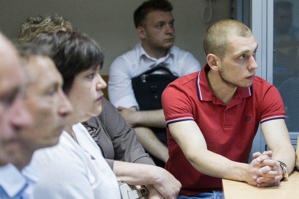 Суд по делу патрульного Сергея Олейника, подозреваемого в убийстве пассажира BMW в ходе погони в Киеве.