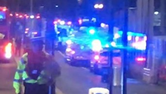 На месте наезда микроавтобуса на людей на Лондонском мосту. Видео