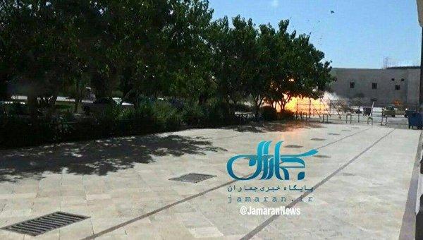 Момент взрыва возле мавзолея имама Хомейни