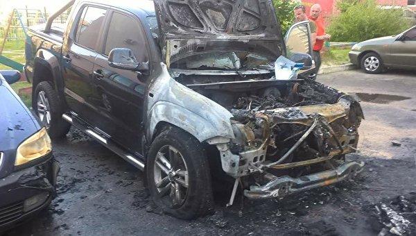 ВЛуцке подожгли автомобиль народного депутата