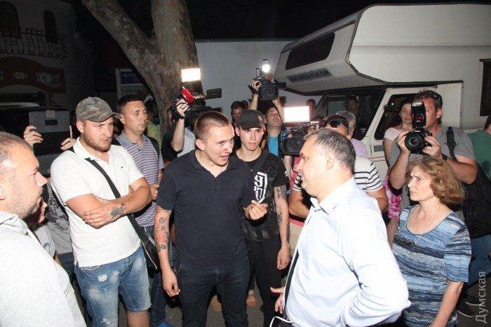 Столкновения у одесского ресторана, где выступала Ирина Билык, 8 июня 2017