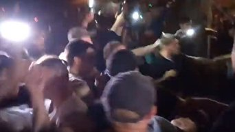 Столкновения перед концертом Ирины Билык в Одессе. Видео