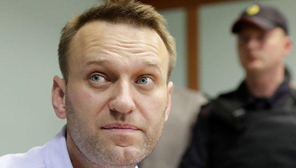 Российский блогер Алексей Навальный на рассмотрении его апелляции по поводу 30-дневного ареста в суде Москвы