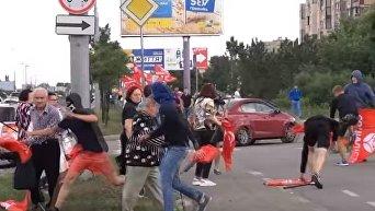 Нападение на участников акции против переименования проспекта Ватутина. Видео