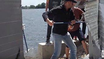 Снос незаконного забора, преграждающего выход к Днепру в Конча-Заспе