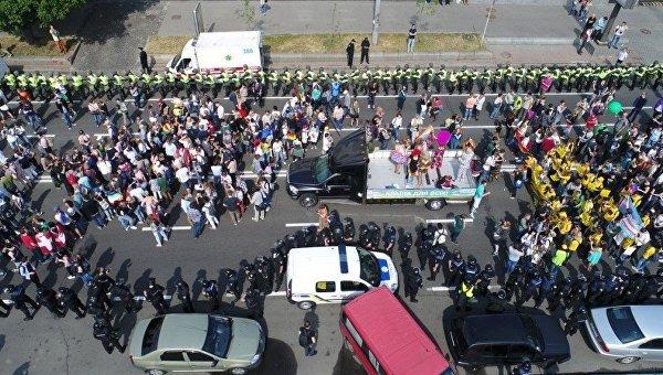 Вгей-параде вКиеве участвуют неменее 2-х тыс. человек