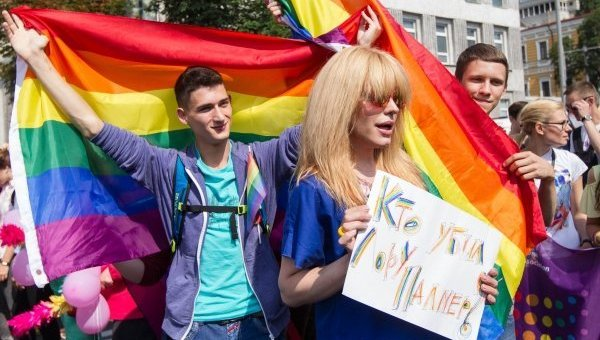 Монро на ЛГБТ-марше в Киеве